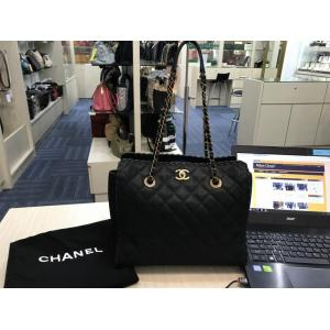 CHANEL Black Leather GHW Shoulder Bag