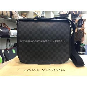 REPAIR - LV Damier Graphite District MM