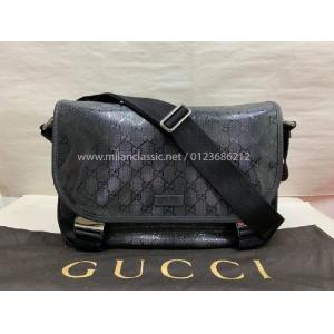 GUCCI Messenger Buckle Bag