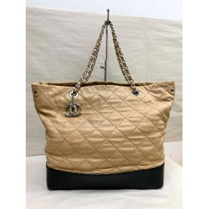 CHANEL Leather Chain Bag