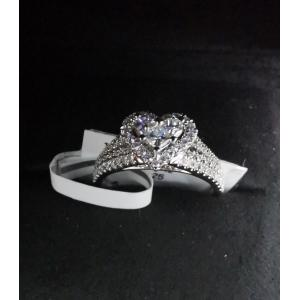 Heart Diamond Set With 750(18K) White Gold Ring